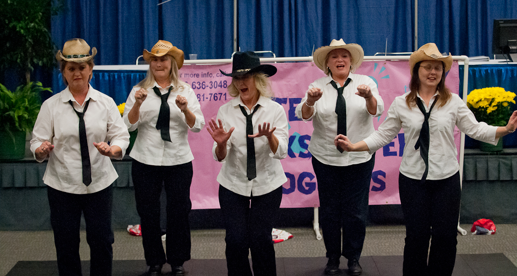 texas-quickstep-cloggers-at-convention